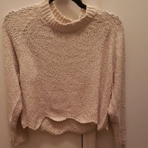 NWT cropped hem pullover